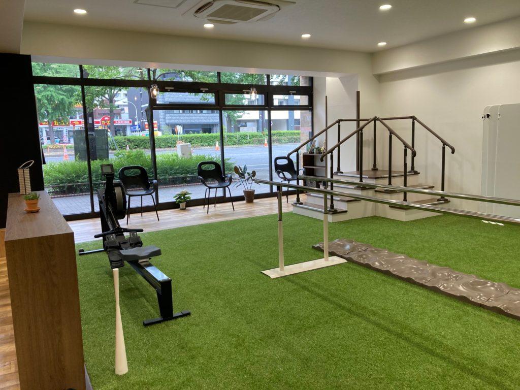 人工芝のトレーニングエリア